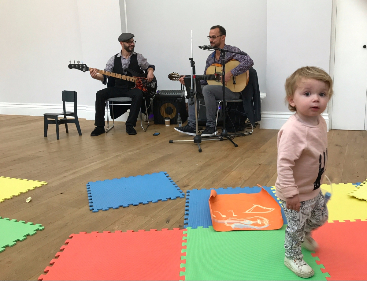 Be entertained by varied live music and free pop-up treats at a Mini Jam concert